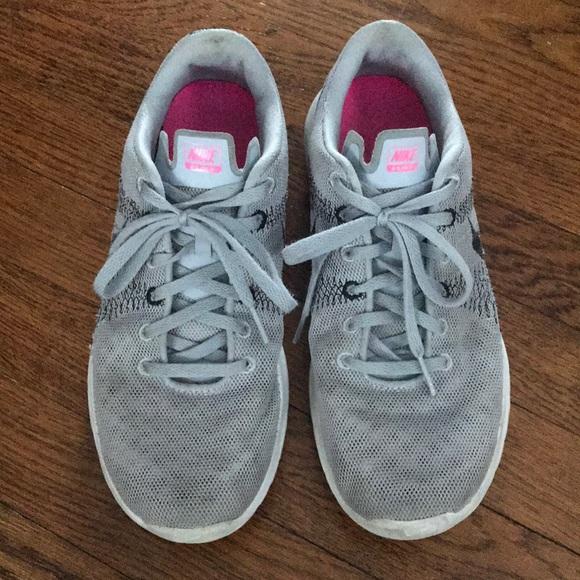 Nike da scarpe   Donna Scarpe da Nike Ginnastica   Poshmark bb3d84